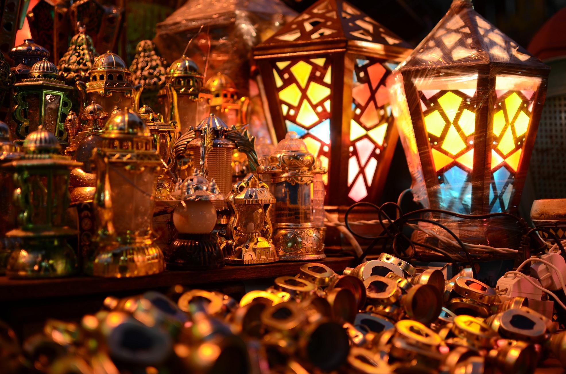 صور و خلفيات فوانيس رمضان لسطح المكتب اهديها لمن تحب   8-C