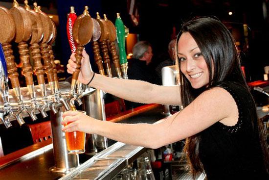 ¡Saludos desde Las Negras! Feature-Brewpubs-The-Tun-Tavern-6