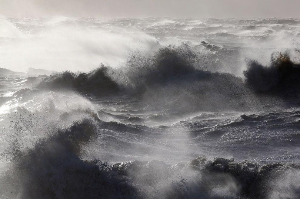 LA BRUTTA NOTTE DI ROSS O'HARA Tempesta-giuda