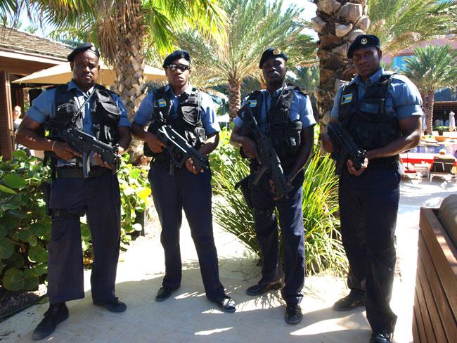 Armée des Bahamas / Royal Bahamas Defence Force ( RBDF ) Ugly-Betty-DF