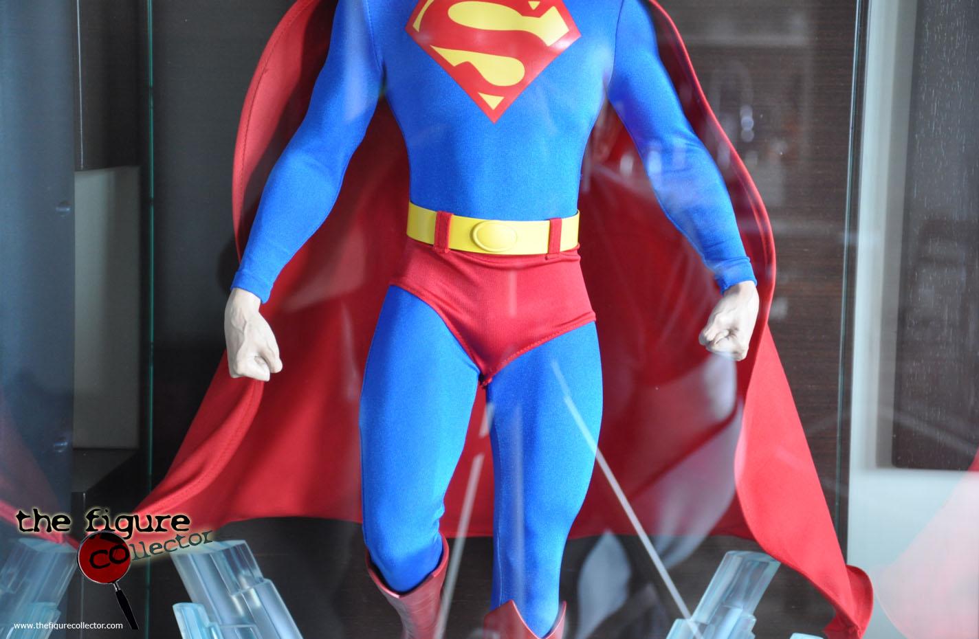 Colecao do Turco louis gara do forum Sideshow Collectors! Pobrinho!!! Superman-Cinemaquette-04