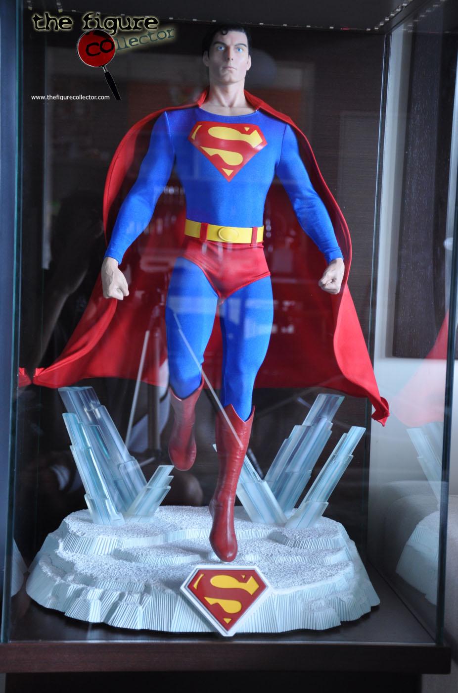 Colecao do Turco louis gara do forum Sideshow Collectors! Pobrinho!!! Superman-Cinemaquette-06