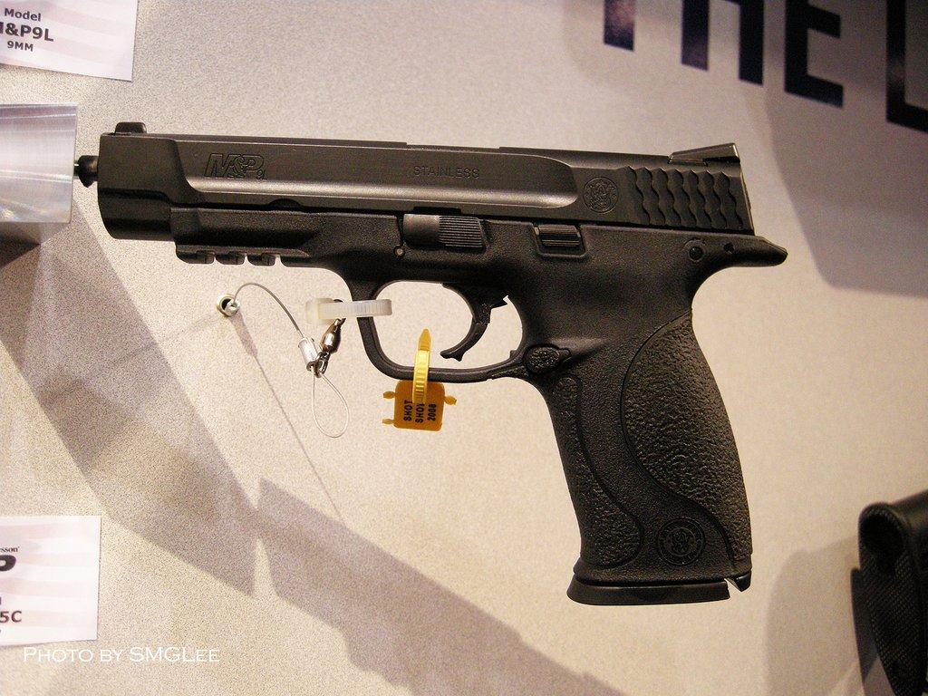 Smith & Wesson M&P 9mm en Suisse Mp-9mm-long-slide