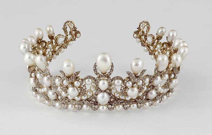 تيجان ملكية  امبراطورية فاخرة Sandrine-merle-the-french-jewelry-post-diademe-eugenie
