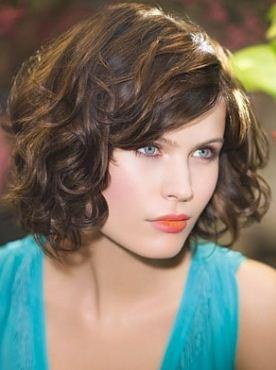 Cfare Modeli i Keni Floket ?? Tagli-capelli-ricci-corti-medi-e-lunghi-inverno-2011-2012