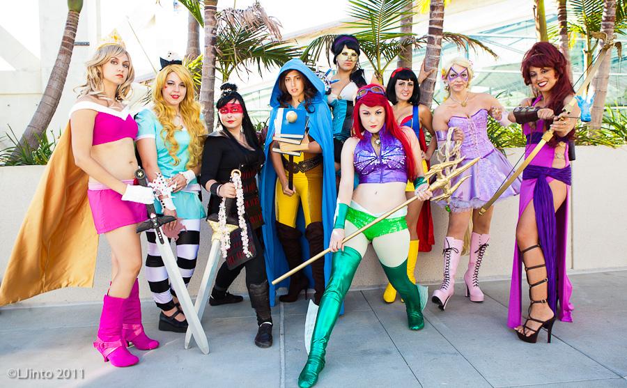 Les Walt Disney - Page 4 Superhero_disney_princesses_by_heykannaya-d495zep