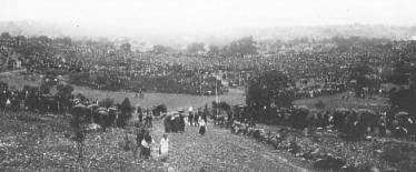 Niam Mab Liab Tshwm Sim nyob Fatima Fatima-crowd-september
