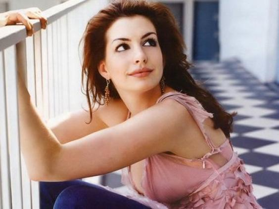 Hot or not... - Page 3 Anne-hathaway