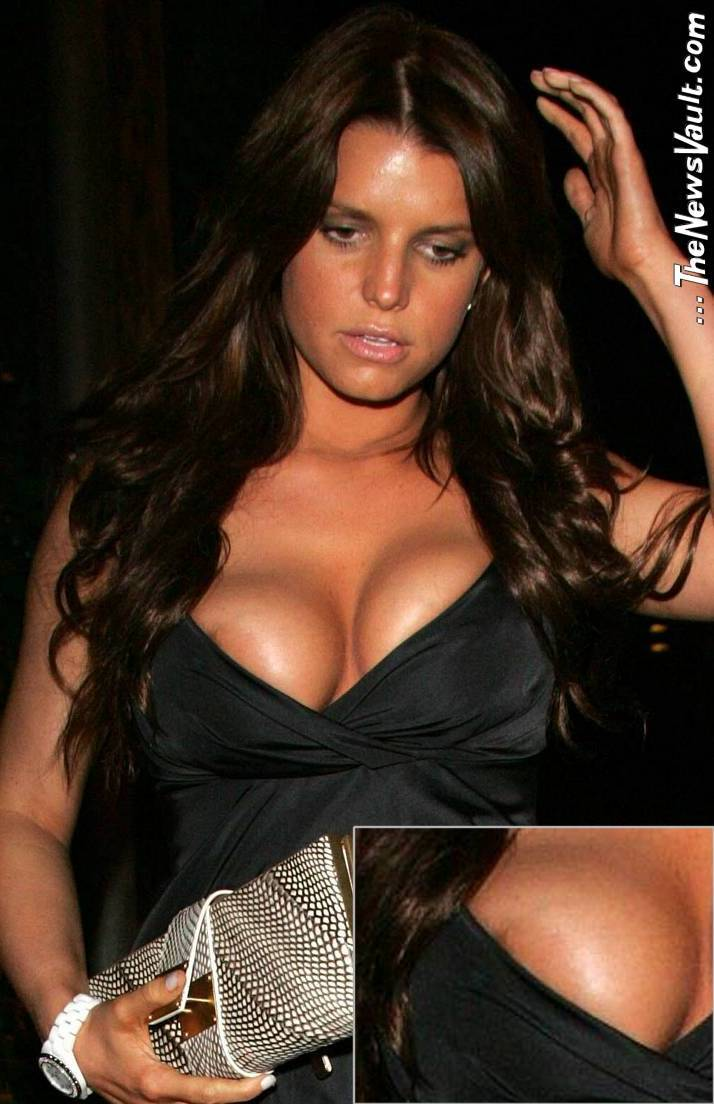 Jessica Simpson Jessica_simpson_nipple