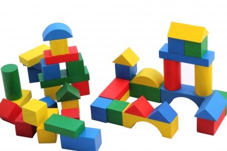 Comment supportez-vous les enfants (surtout en bas âge) ? Cubes-de-construction-multicolores-27-mm