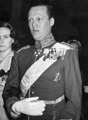 Principe Valdemar de Dinamarca y Princesa Maria de Orleans - Página 2 101006_001
