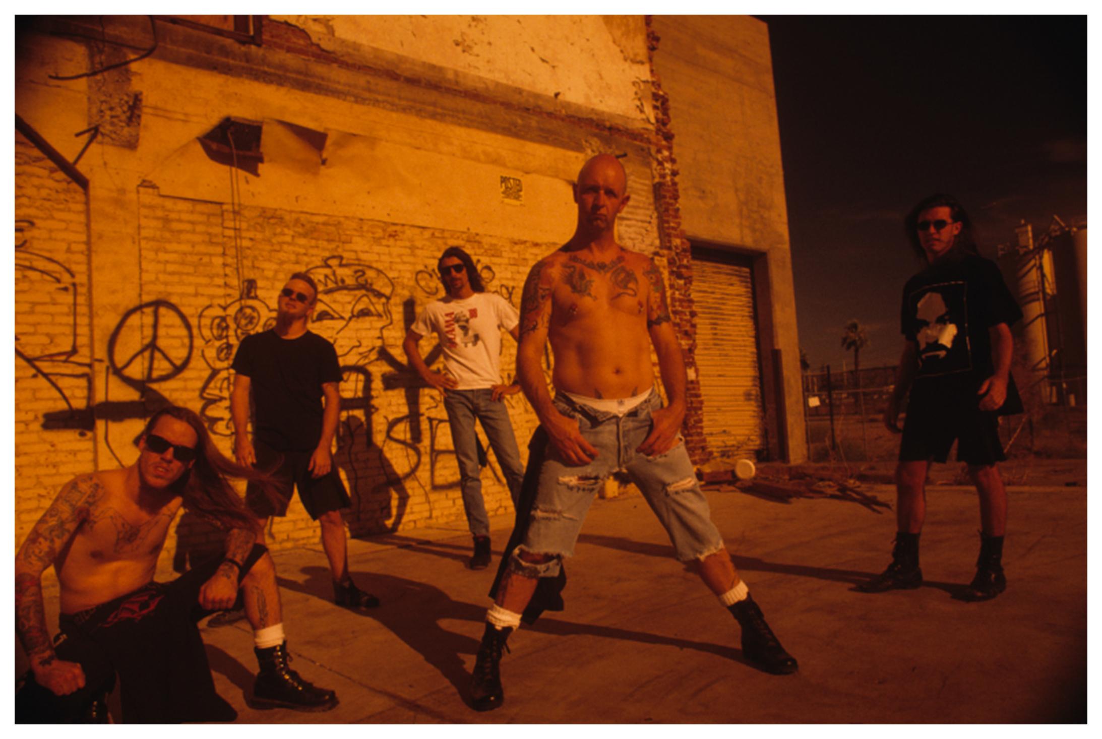 FOTOS GUAPAS Y ROCKERAS - Página 3 Fight_Band01-PRINT