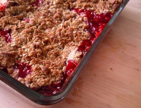 croustade aux fraises ou aux framboises Strawberry-crumble
