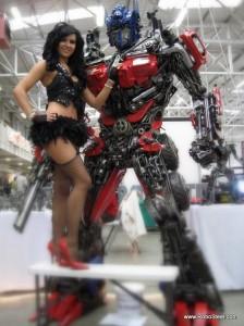 Statue réel - Statue géante en métal - Sculpture de glace - Réplique des TF des Films Transformers fait par des Fans Recycled-Transformer-224x300