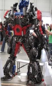 Statue réel - Statue géante en métal - Sculpture de glace - Réplique des TF des Films Transformers fait par des Fans Steeltransformer3-184x300