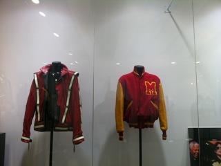 Costumi storici di MJ saranno in tour e successivamente all'asta 2012-10-04-19.24.50