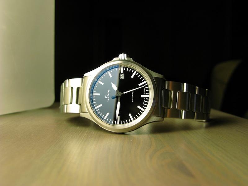 ward - Premier achat - 1.000 euros de budget The-Versatile-Gent-Watch-Sinn-556-1