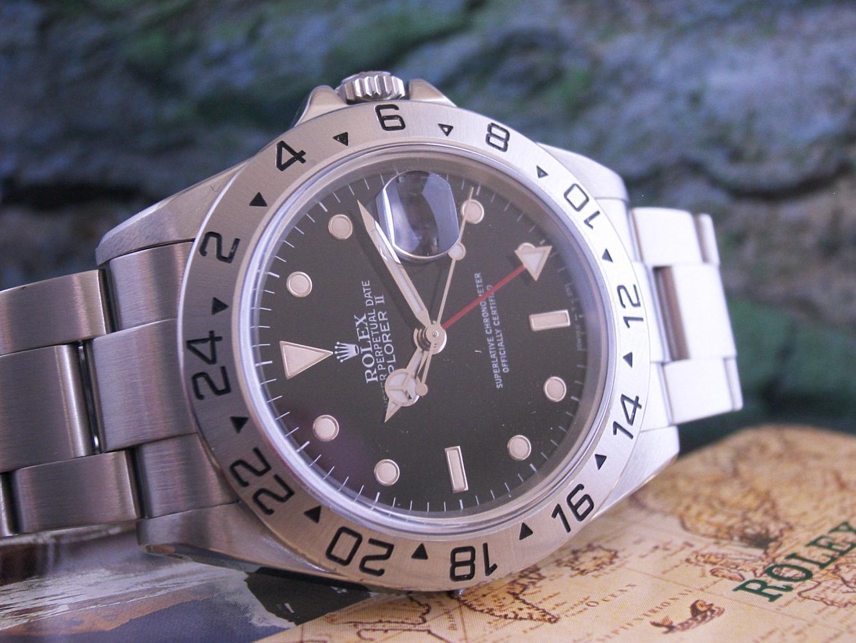 La montre sportive de l'année 2010 (au catalogue en 2010), plongeuses exclues Explorer%202%20trit%20closeup