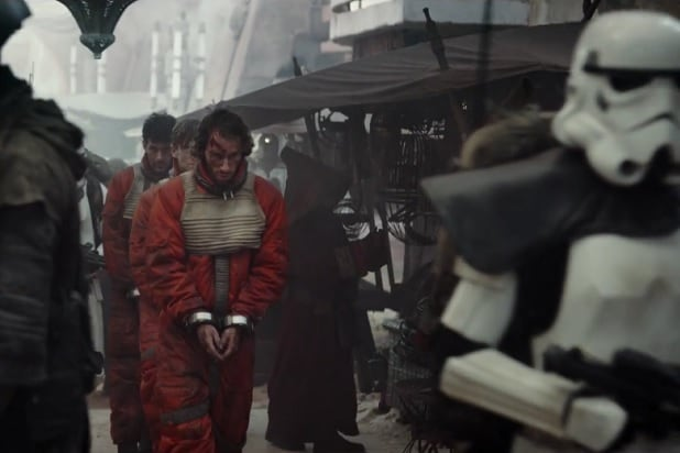 Discussion: Luke Skywalker/Mark Hamill - Page 2 Rebel-pilot-prisoners-rogue-one