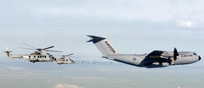 مصر قدمت طلباً للتعاقد على طائرات A400M فى أسرع وقت Airbis-A400M-Refuelling-Helicopters