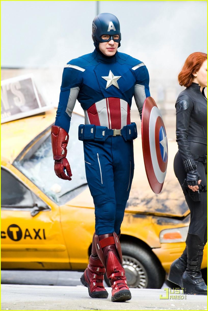 [Lo que se viene] SHAZAM! Y BLACK ADAM spin off (2019) Avengers-setnewfull8