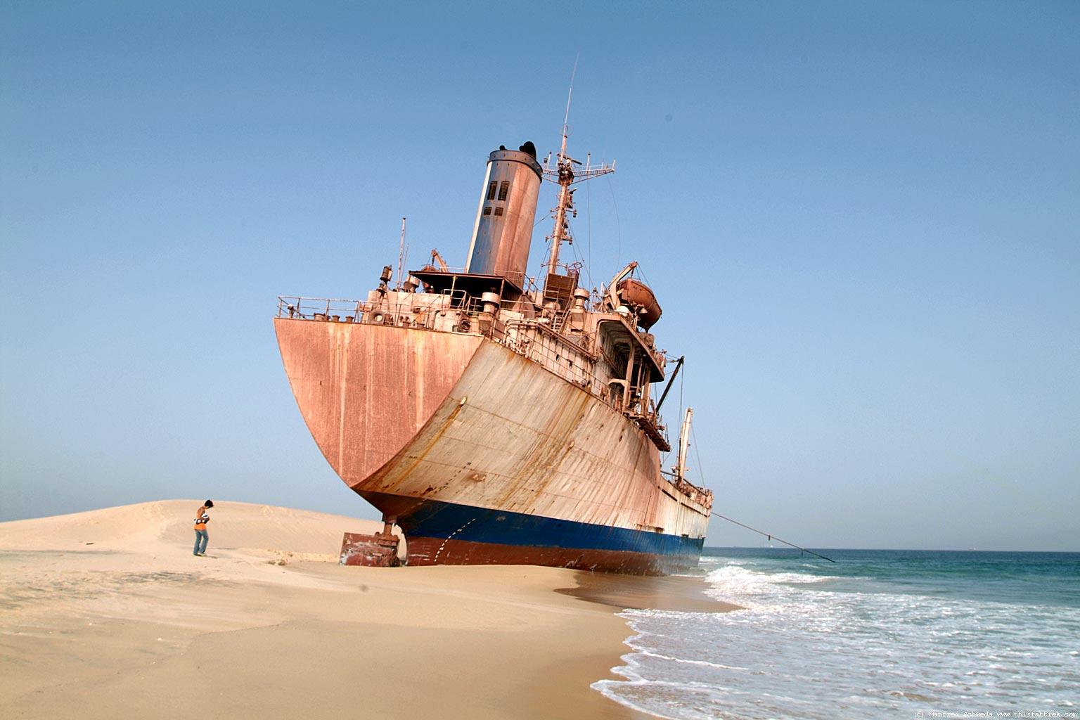 El mayor cementerio de barcos del mundo Cap-blanche-noua-has-4