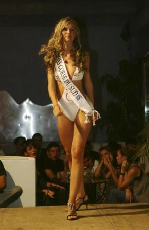 Les plus belles femmes - Page 12 Miss_corse_2009