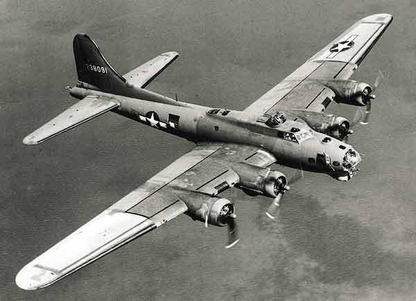 Avions de la 1ère et 2ème guerre Mondiale - Page 2 B17