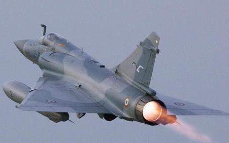 كل واحد يخبرنا ايش المقاتلات الحربيه التي ستشتريها دولته خلال 4 او 8 سنوات   - صفحة 3 Mirage-2000-5
