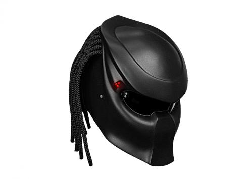 L'univers des Geeks - Page 14 Predator-helmet-485x355