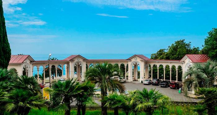 Что нужно обязательно посетить в Абхазии? Gagrskaya-kolonnada