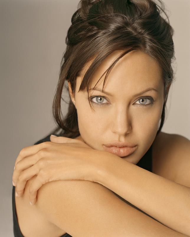 Movie Stars Angelina-Jolie-1