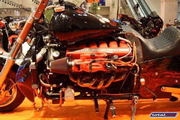 Aston Martin   Aston-martin-v12-powered-monster-bike-6_advcy_3868