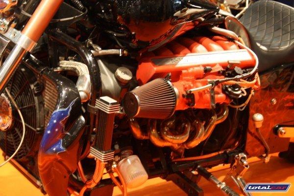 Aston Martin   Aston-martin-v12-powered-monster-bike-7_j6rct_3868