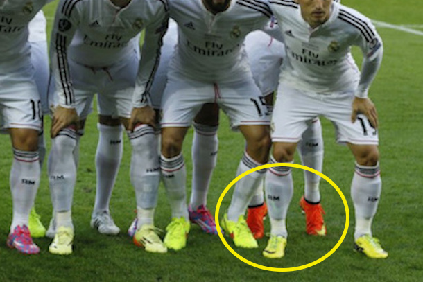 Kristijano Ronaldo Ronaldo-tip-toes-team-photo-uefa-super-cup-vs-sevilla-august-2014-2-copy