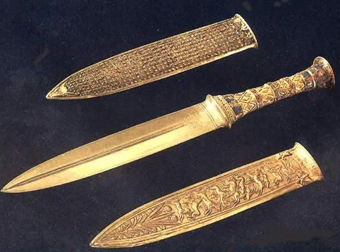 The Mystery Of King Tuts Dagger 'Now SOLVED' - Out of This World!! Tutl43