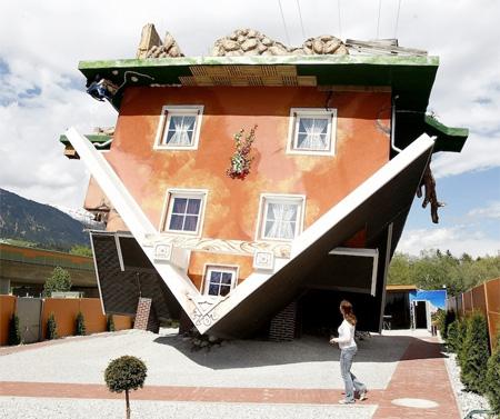 Upside Down House Upsidedown04