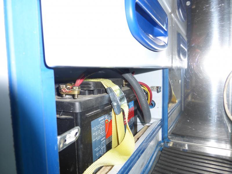 [MK6] aménagement de mon ambulance 1397489748_P1010472