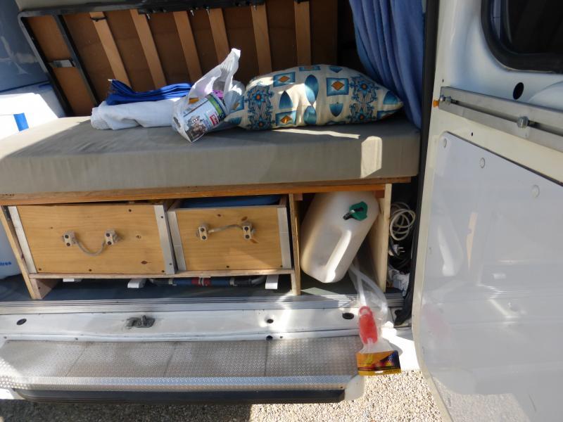 [MK6] aménagement de mon ambulance 1397490060_P1010474