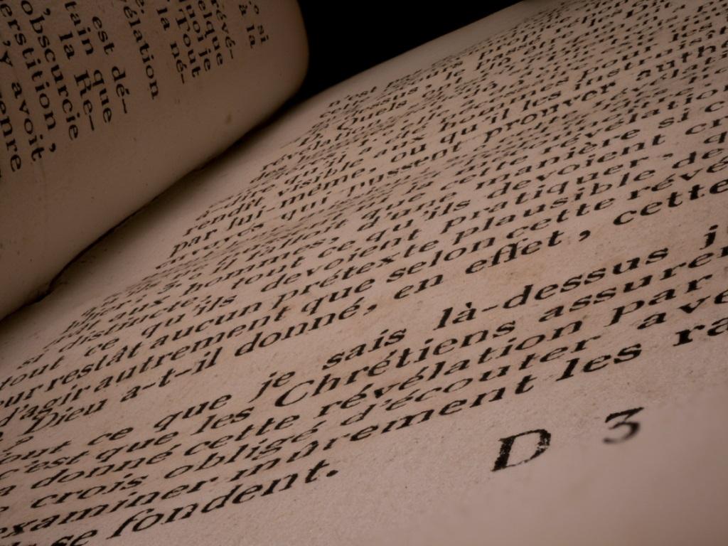 minuit , un peu de lecture avant d'aller au lit _livre