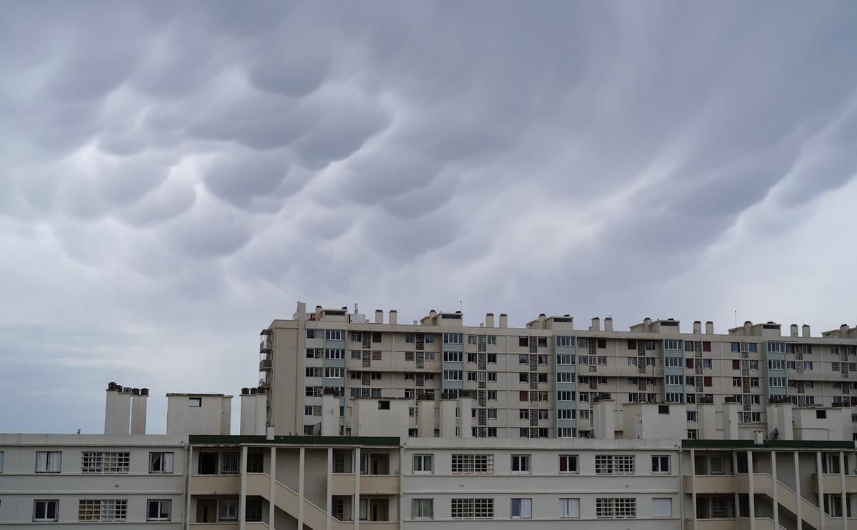 Aujourd'hui grêle .. hier les nuages SDIM0988