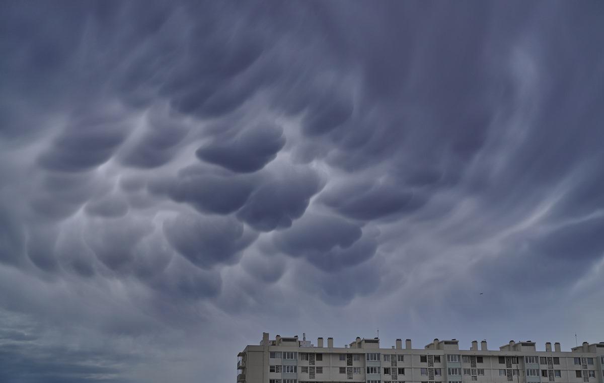 Aujourd'hui grêle .. hier les nuages SDIM1002