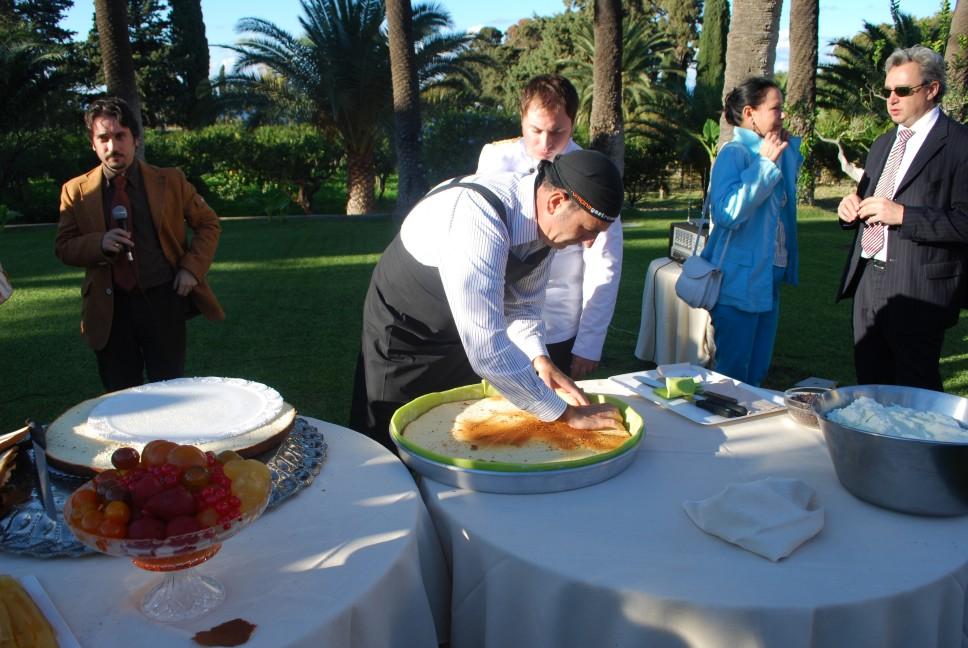 ricette per natale Sicilia 12_sistemazione_del_pan_di_Spagna_nella_teglia