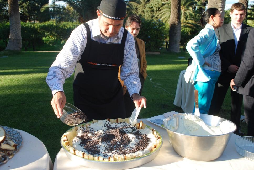 ricette per natale Sicilia 17_versare_le_gocce_di_cioccolato