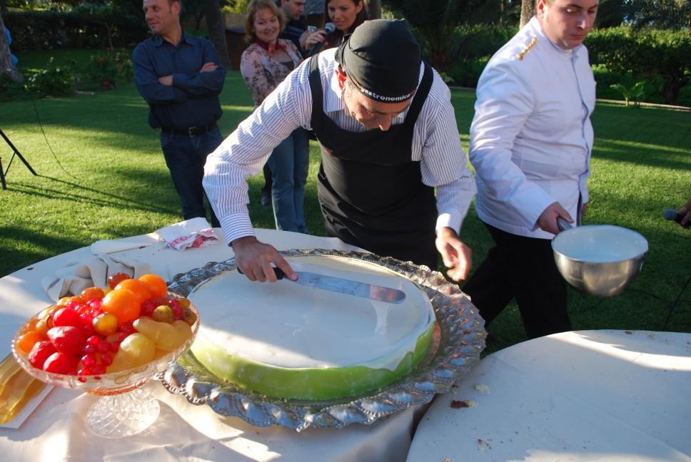 ricette per natale Sicilia 25_spalmare_la_glassa_uniformemente_sulla_superficie