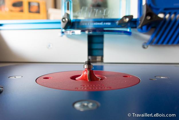 Premiers essais avec une défonceuse sous table Table-kreg-defonceuse-triton-60