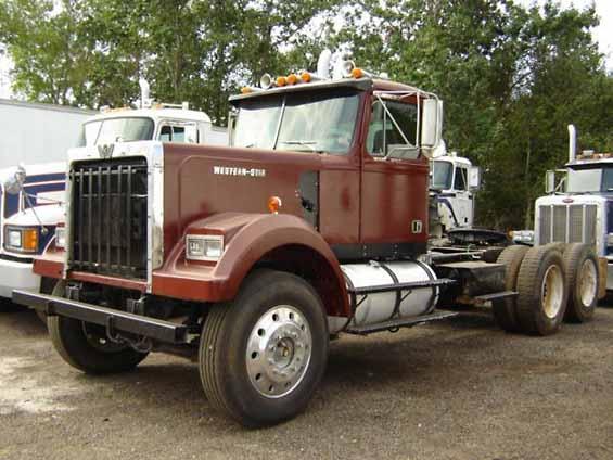 Wolf truck sur base de Diamond Reo AMT au 1/25 1984%20WESTERN%20STAR%204964