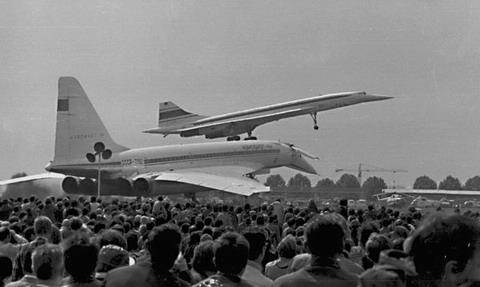 "Supersonique russe Tupolev Tu-144 ""Concordski"" Crash0"
