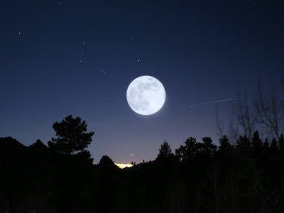 POEMAS SIDERALES ( Sol, Luna, Estrellas, Tierra, Naturaleza, Galaxias...) - Página 6 Luna9