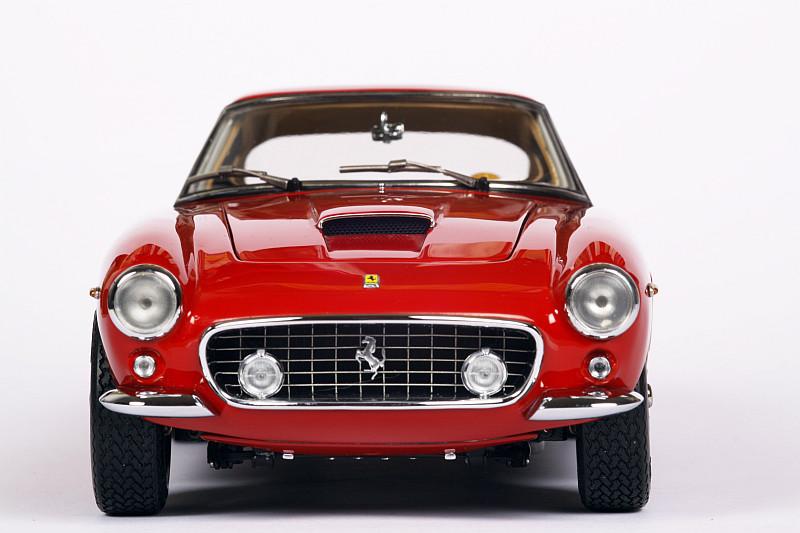 CMC noviteti - Page 2 Ferrari-250-gt-swb-cmc-118-9